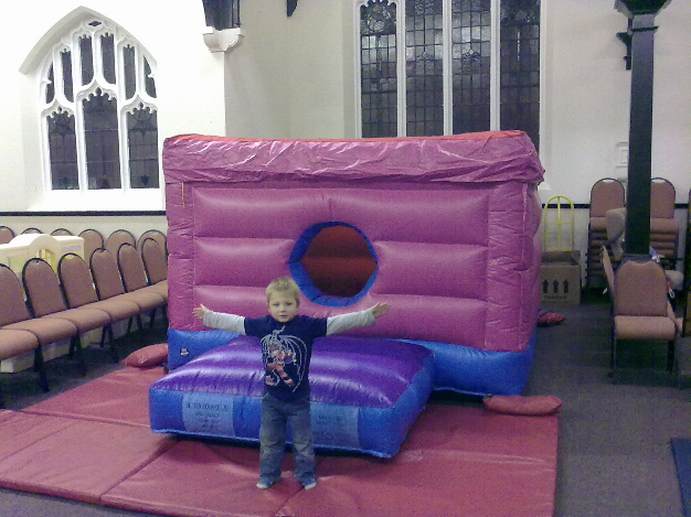 Small bouncy castle 8x 8 feet size